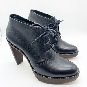 COLE HAAN HEELED OXFORD BOOTIE SIZE 9